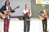 【イベントの様子】受験生に歌でエールを送る海援隊 (C)ORICON DD inc.