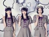 Perfume新曲「未来のミュージアム」のアーティスト写真はキュートな探偵風