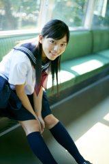 写真集『haruna 2』を発売する川口春奈