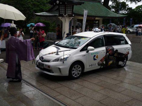 """加藤神社で安全祈願を行った""""戦国無双タクシー""""  画像は加藤清正バージョン(C)コーエーテクモゲームス All rights reserved."""