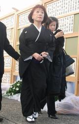 歌舞伎俳優の中村勘三郎さんの本葬に参列した朝丘雪路 (C)ORICON DD inc.