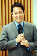 大学受験 塾・予備校部門で1位を獲得した早稲田塾・相川代表