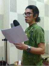 ショートアニメ『ドンマイ しげるさん』で1人15役を担当したラーメンズ・片桐仁