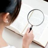 時代が変わり、現在ではネット辞書を使用する人が増えている。