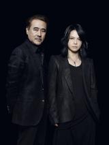 左からマルチクリエーターの天野喜孝氏、L'Arc〜en〜Ciel、VAMPSのボーカル・HYDE