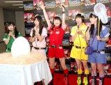 ももいろクローバーZ(左から)有安杏果、佐々木彩夏、百田夏菜子、玉井詩織、高城れに=恐竜ショー『WALKING WITH DINOSAURS LIVE ARENA TOUR IN JAPAN』初日公演 (C)ORICON NewS inc.