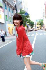 福岡では街をお散歩=島崎遥香ファースト写真集『ぱるる、困る』