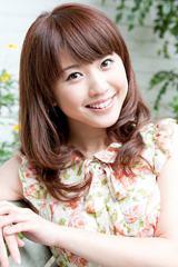 入籍をブログで報告した岩崎千明