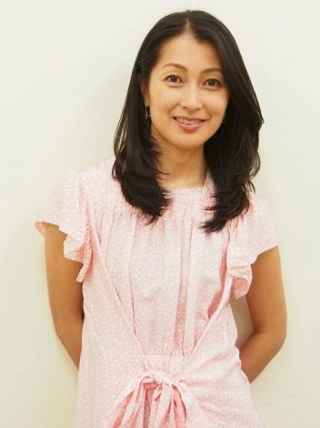 洋服が素敵な鶴田真由さん
