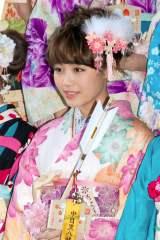 『2014年飛躍祈願 晴れ着初詣』に出席したE-girls・鷲尾伶菜 (C)ORICON NewS inc.