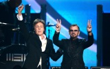 『第56回グラミー賞』で共演した元ザ・ビートルズのポール・マッカートニー(左)&リンゴ・スター Getty Images Entertainment