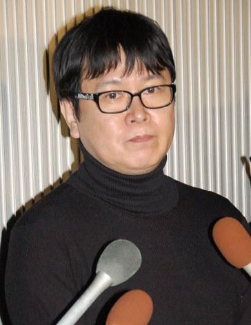 永井一郎さんの通夜に参列し、沈痛な面持ちで取材に応じた三ツ矢雄二 (C)ORICON NewS inc.