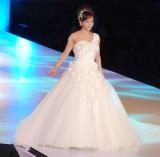 純白のドレス姿を披露した華原朋美=『2014 YUMI KATSURA GRAND COLLECTION in TOKYO』 (C)ORICON NewS inc.