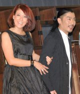 「勝負下着で着た」LiLiCo(左)がパンサー・菅良太郎に猛烈アプローチ (C)ORICON NewS inc.
