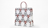 4月1日から使用される、友禅作家の森口邦彦氏がデザインした三越の「新」ショッピングバッグ