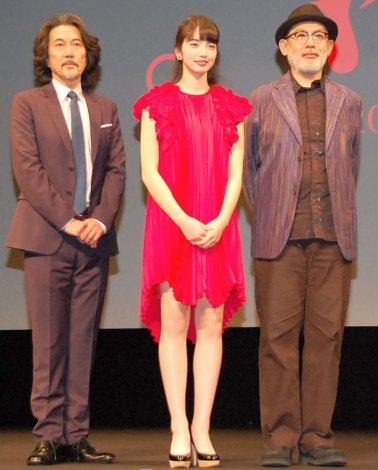 映画『渇き。』の舞台あいさつに出席した(左から)役所広司、小松菜奈、中島哲也監督 (C)ORICON NewS inc.