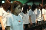 AKB劇場で行われた黙祷の模様(写真は高橋みなみ) (C)AKS