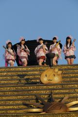 東京・国立競技場で「ももクロ春の一大事2014 国立競技場大会 〜NEVER ENDING ADVENTURE 夢の向こうへ〜」を開催したももいろクローバーZ