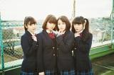 乙女新党を卒業することを発表した荒川ちか(左から2番目)と葵わかな(左から3番目)