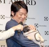 坂上忍、愛犬にデレデレ=『エレクトロラックス・ベストクリーニスト賞』授賞式 (C)ORICON NewS inc.