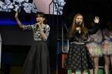 観覧していたという前田敦子&板野友美の1期生コンビもステージに上がった (C)AKS