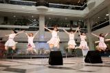 元気いっぱいにメジャーデビュー曲「High Jump!!」など5曲を披露した愛乙女★DOLL