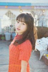 天使すぎるアイドル・橋本環奈が「ヤンマガ」グラビアデビュー 公開されたオフショット(C)KODANSHA