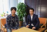 ゲームクリエイターの森下一喜氏(左)と『情熱大陸』の福岡元啓プロデューサー(右)(C)MBS