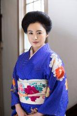 """連続テレビ小説『花子とアン』で仲間由紀恵が演じる葉山蓮子の髪型は""""束髪(そくはつ)""""と呼ぶそうです(C)NHK"""