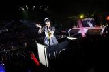 田島芽瑠メンバーがスタンド席をゴンドラで周回〜HKT48アリーナツアー初日の模様(C)AKS