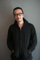 """""""デジタル最優先""""の映像業界に疑問を投げかける紀里谷和明"""