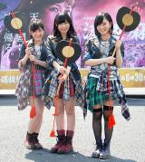 両脇に警備員なし (左から)渡辺麻友、指原莉乃、山本彩 (C)ORICON NewS inc.