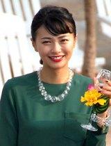 主演映画『私のハワイの歩きかた』の完成披露会見に出席した榮倉奈々 (C)ORICON NewS inc.