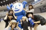 解散ライブが約1ヶ月後に迫るも1万枚売れず…横浜アリーナのゆるキャラ「ヨコアリくん」と戯れるBiS