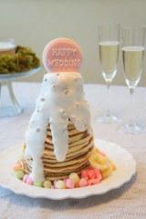 ウエディングケーキのように積み上げた「ウェディングパンケーキタワー」