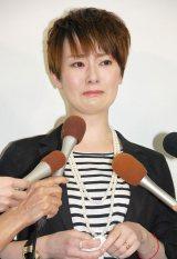 離婚会見で涙する遠野なぎこ (C)ORICON NewS inc.