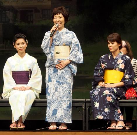 映画『思い出のマーニー』完成披露記者会見に出席した(左から)黒木瞳、森山良子、プリシラ・アーン (C)ORICON NewS inc.