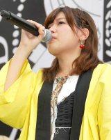 涙を流してBiS解散ライブのチケット購入を訴えるリーダーのプー・ルイ (C)ORICON NewS inc.