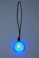 """「バルス!」の声に反応して""""飛行石""""が青く発光!(C)Nibariki (C)2014 GNDHDDTK"""