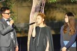 新ブランド「KOE」発表会で、初の母娘共演を果たしたChara(中央)とSUMIRE(右) (C)oricon ME inc.