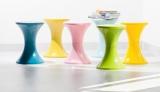 70年代デザイナーズ家具として知られる組立式スツール『Tamtam(タムタム)』に新色登場