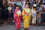 「日本一高いあべのハルカス盆踊り」に参加したすたーふらわーと約200人の地元住民 (C)oricon ME inc.