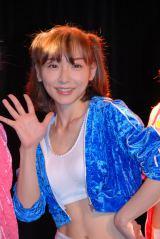 3人組Girls Beat!!(ガールズビート)のデビューライブ前に笑顔で取材に応じた加護亜依 (C)ORICON NewS inc.