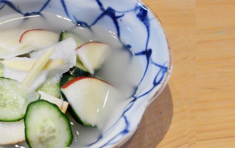 乳酸菌をお手軽に摂ることができる「水キムチ」