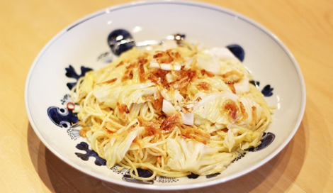 たくさん食べて満腹感が得られるキャベツの「桜えびと漬けキャベツのペペロンチーノ」