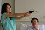 8月10日放送、TBS系ドラマ『おやじの背中』第5話「ドブコ」は遠藤憲一と堀北真希が父娘役で共演(C)TBS
