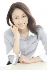 日本ハム・小谷野栄一選手との間に第1子が誕生した亜咲美