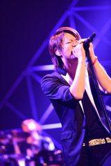 GLAYが15年ぶりにアニメ主題歌。TERUも大好きな『ダイヤのA』オープニングテーマを担当(写真は「GLAY LIVE TOUR 2014 TOHOKU」ツアーにて)