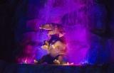 """""""ナイトクルーズ""""が新たに誕生するTDLの「ジャングルクルーズ:ワイルドライフ・エクスペディション」/(C)Disney"""