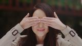 """日光東照宮の神厩舎の彫刻""""三猿""""「見ざる」のポーズを真似した松田聖子"""